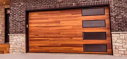 garage-doors-planks-chi-img2